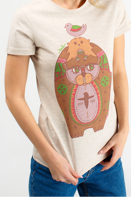 Beige women's t-shirt with beavers print