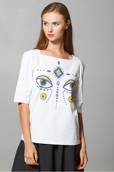 Women's T-shirt with eyes of fabulous deer
